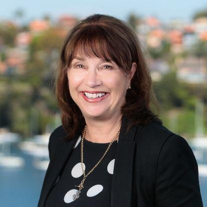 Dr Christine Pitt (AUS)