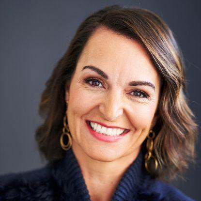 Dr Joanna Mc Millan (AUS)
